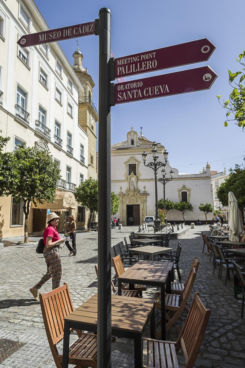 Turismo ayuntamiento de c diz plaza de san francisco for Oficina de turismo en cadiz